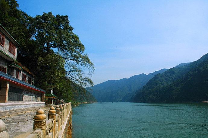 清远名胜风景——飞霞山